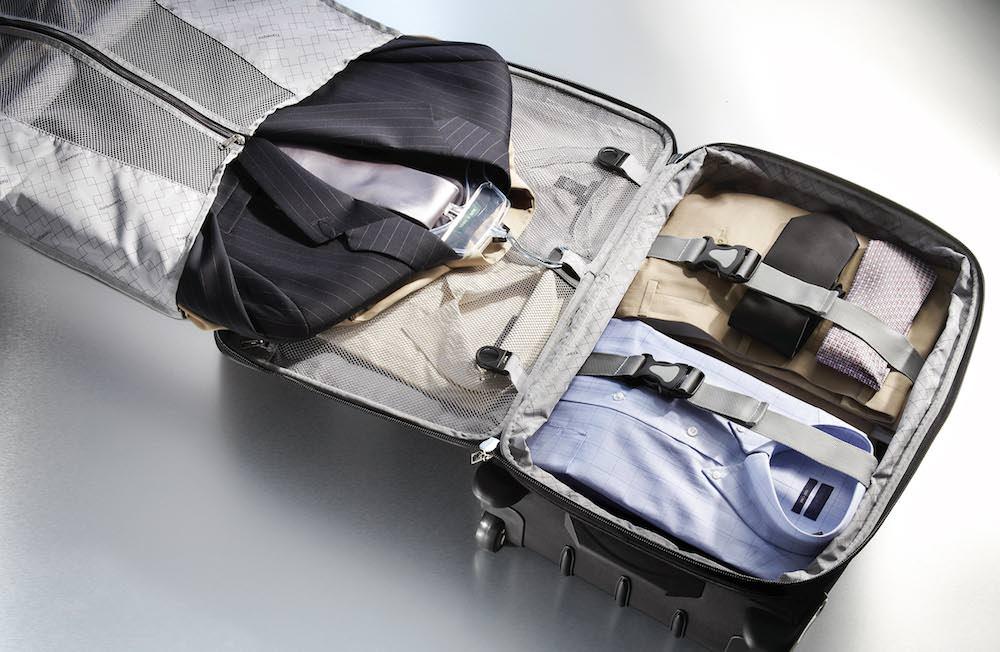 Bien pr parer ses valises pour un voyage d affaires 1001 voyages aux milles et - Film porte avion voyage dans le temps ...