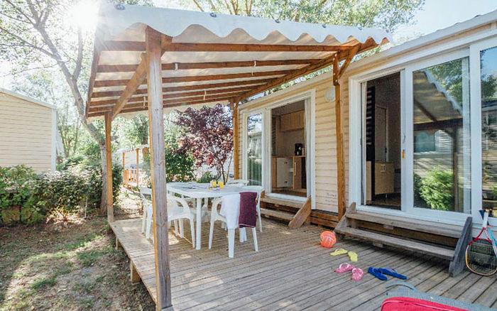 des vacances en camping combien a co te 1001 voyages aux milles et une nuits. Black Bedroom Furniture Sets. Home Design Ideas