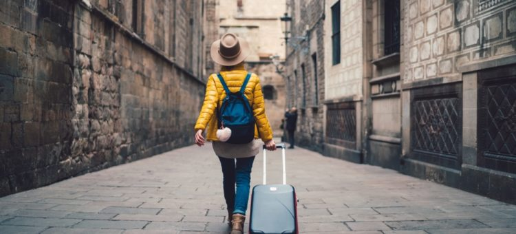 Précautions à prendre quand vous voyagez seul